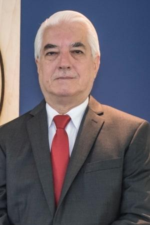 Arq. Adolfo Valenzuela Castedo